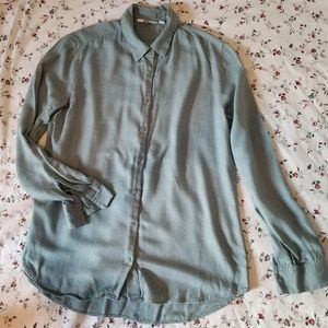 Uniqlo Soft Long Sleeve Button Up
